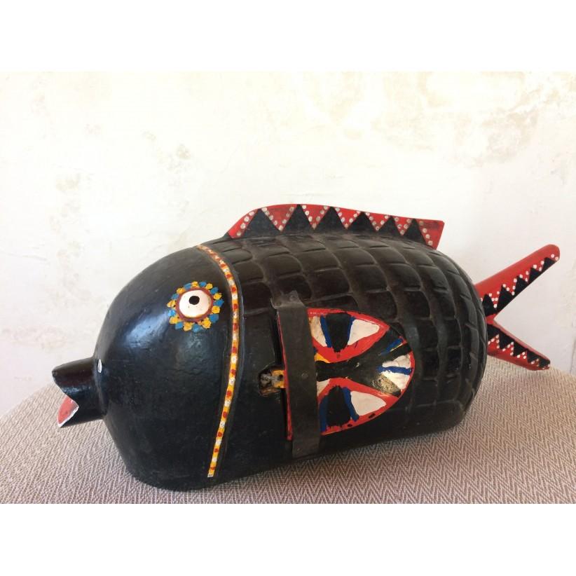 pez bozo negro-rojo. Lateral